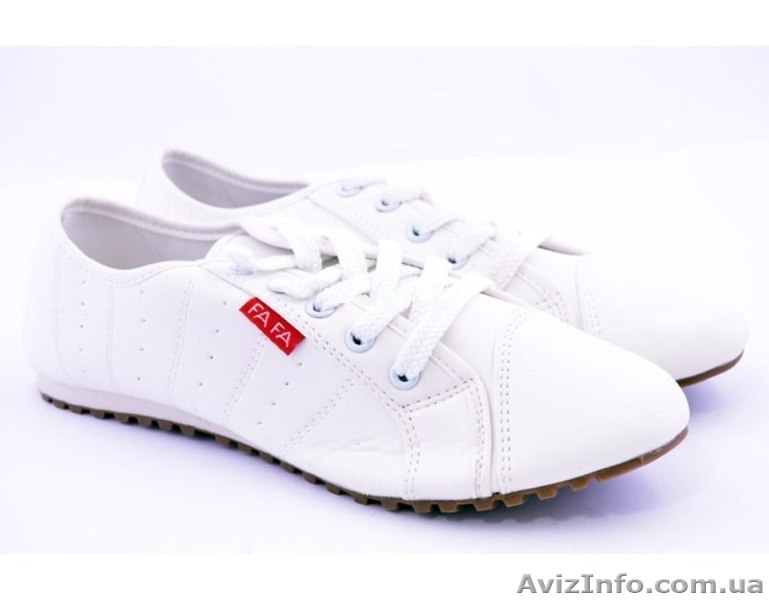 белые джинсы на полных женщинах
