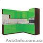 Угловая качественная кухня зеленого цвета